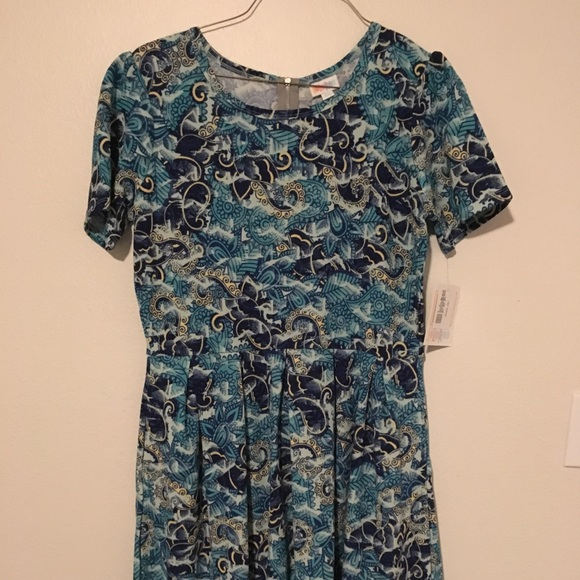 LuLaRoe Dresses & Skirts - Lularoe Amelia 2XL dress NWT